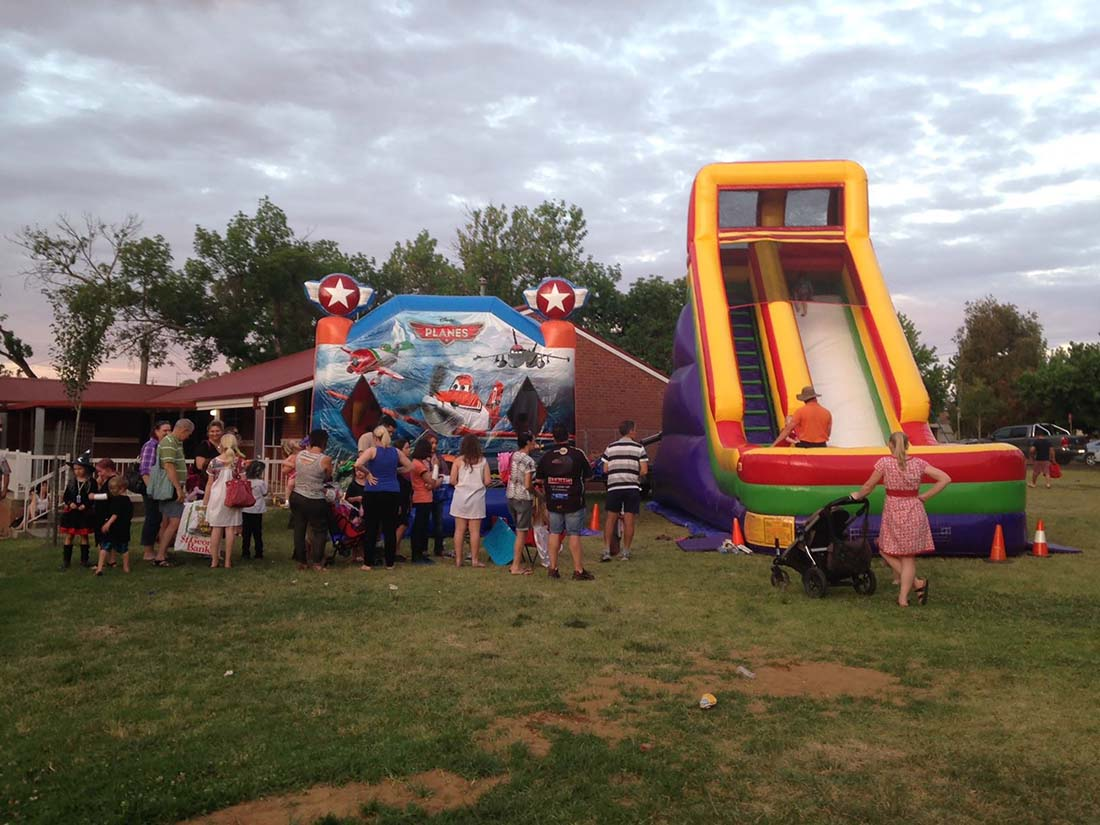 Jumping Beans jumping castle in Wagga Wagga