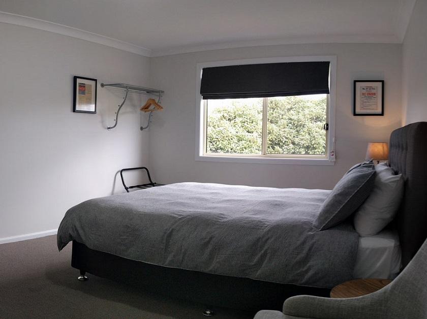 SkyLodge Temora Accommodation, near Wagga Wagga
