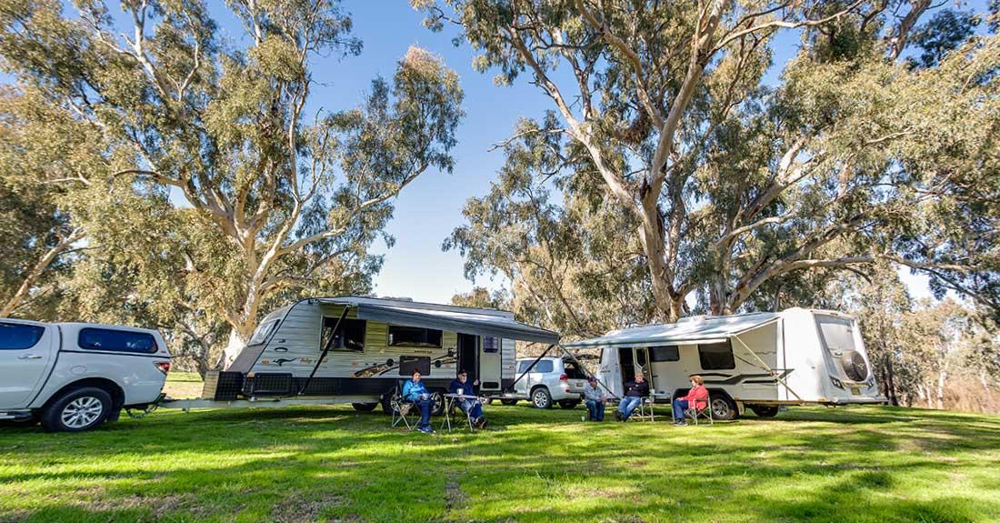 Caravans camping at Oura Beach Reserve near Wagga Wagga