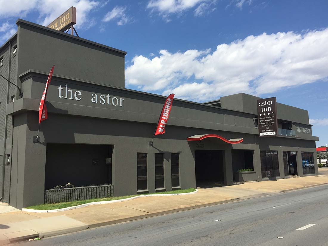 Outside view of the Astor Inn in Wagga Wagga