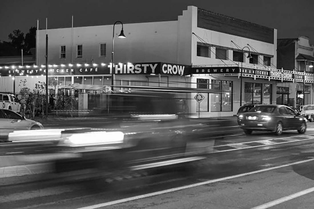 Outside view of Thirsty Crow in Wagga Wagga