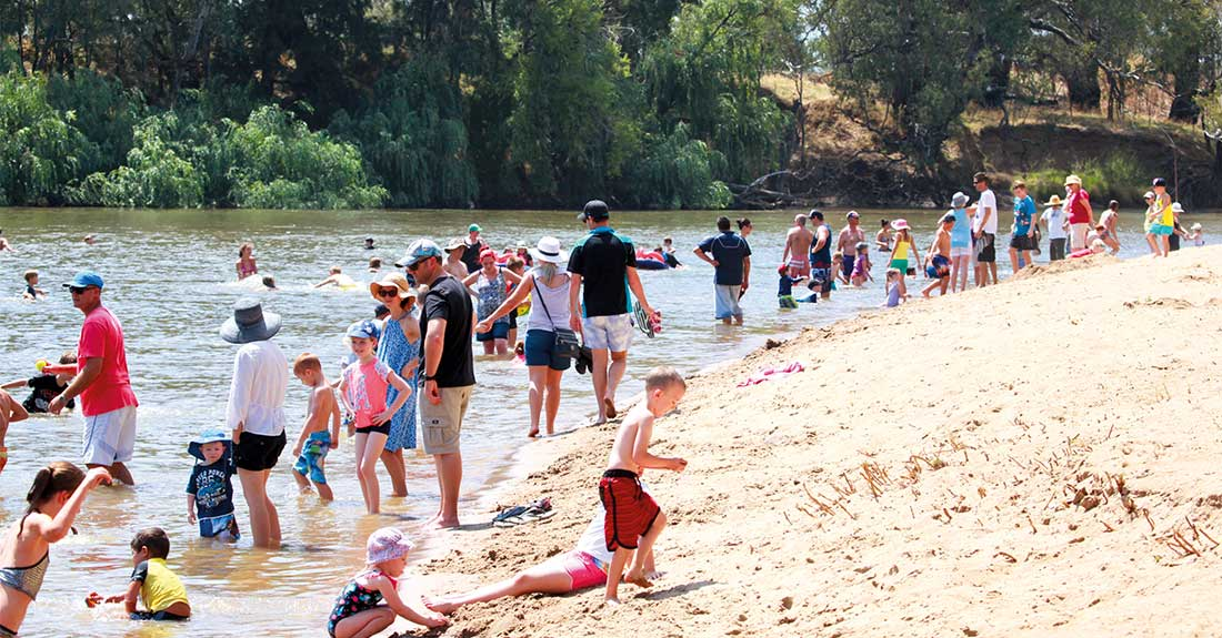 Wagga in summer at Wagga Beach